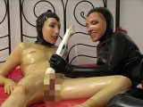 Amateurvideo Britta und Erna horny in Latex von FarmofPleasure